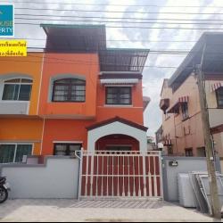 บ้านตึกเเฝด2ชั้น หมู่บ้านเมืองเอกบางปู
